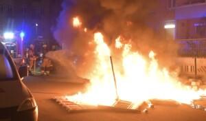 Steinwürfe auf Feuerwehrleute in der Rigaer Straße