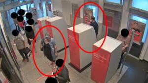 Seniorin (90) die Handtasche geklaut – Polizei fahndet nach Räuber-Duo