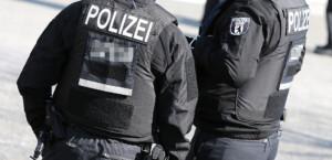 Polizistin am Alex angegriffen, als sie Mann auf Maskenpflicht hinwies