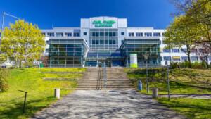 Zu viele Corona-Fälle – Kliniken in Südbrandenburg schlagen Alarm!
