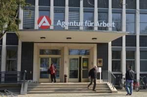 Kurzarbeit sorgt für Entspannung auf Arbeitsmarkt in Berlin und Brandenburg