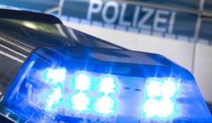 Aggressiver Mann (29) bricht Polizisten das Bein