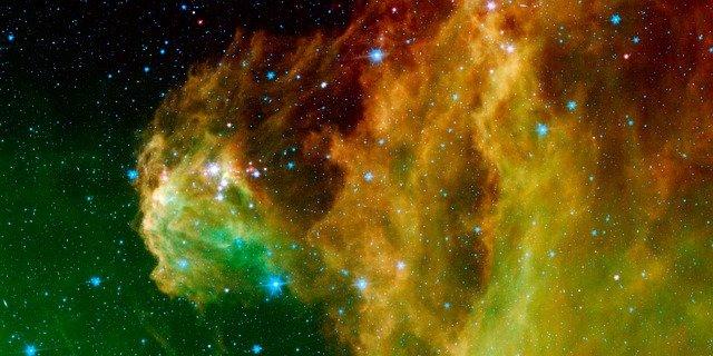 Wie man Orions Gürtel am Nachthimmel findet
