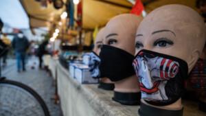 WHO empfiehlt Maske jetzt auch zu Hause
