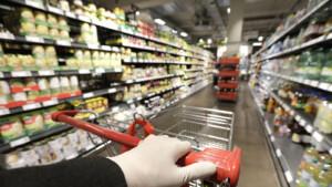 Berlin will auch Supermarkt-Mitarbeiter zuerst gegen das Coronavirus impfen