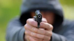 Supermarkt-Kassierer in Neukölln mit Schusswaffe bedroht – War es ein 15-Jähriger?