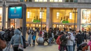 Trotz langer Shopping-Schlangen – Geschäfte mit 50 Prozent weniger Umsatz