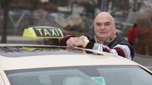 Rigorose Corona-Maßnahmen – Alle acht Stunden geht ein Berliner Taxifahrer pleite!