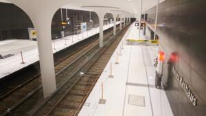 Unter Berlins Mitte fährt die U-Bahn jetzt durch